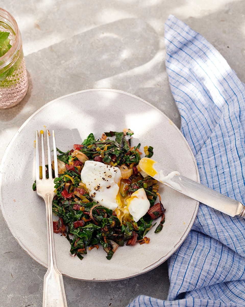 09_GP_POACHED_EGG_SAUTEED_GREENS_013_aRGB_High_LOW