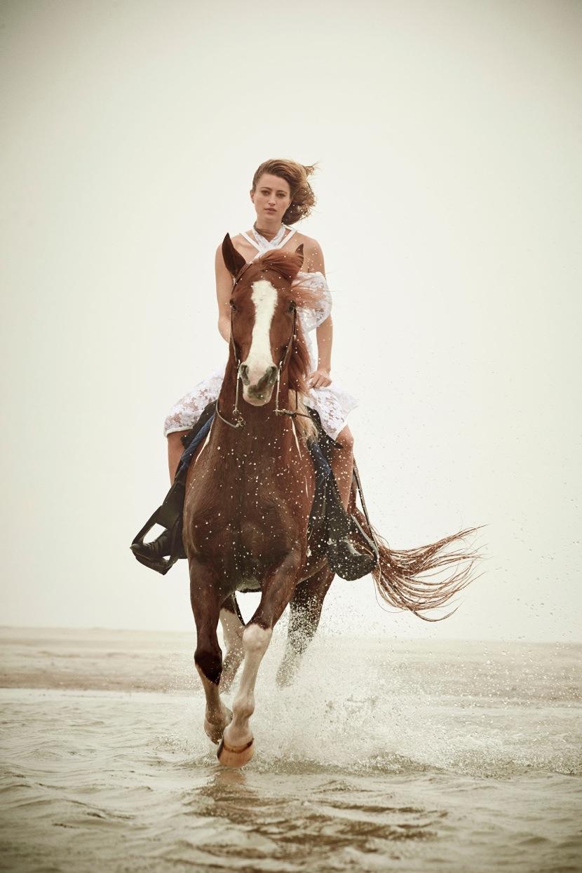 06_Horse_Water_1569_R1b